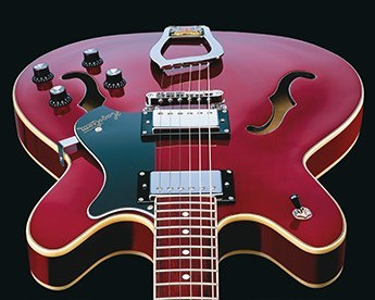 Hagstrom Viking Wild Cherry transparent body front